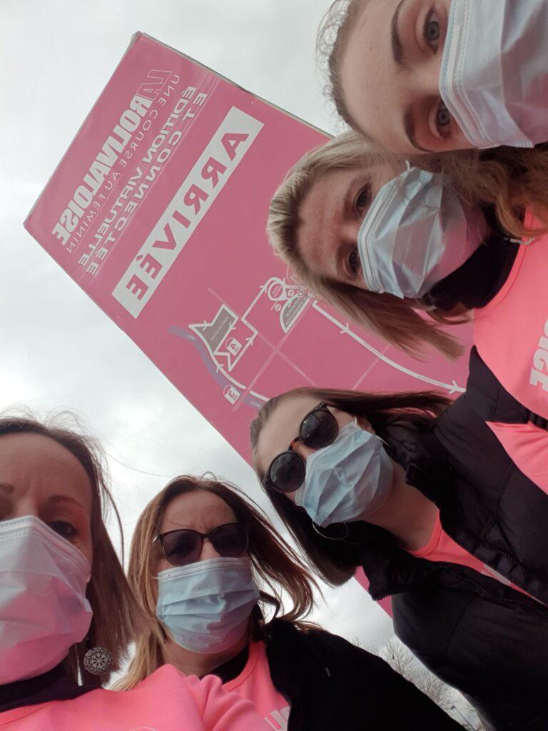 Nous sommes fières d'avoir participer à la lutte contre le cancer. Nous avons fait 10 km de marche. Vive les femmes. À l'année prochaine ...